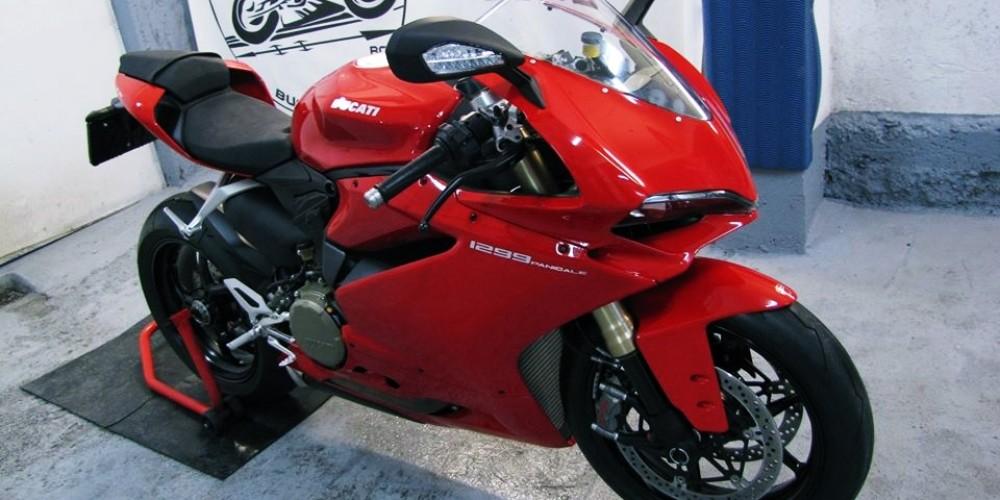 Ducati Panigale 1299 2016 si Yamaha R1 2007